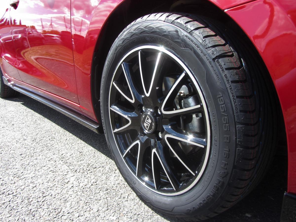 Mazda 2 Sondermodell Senshi Felgen vorne