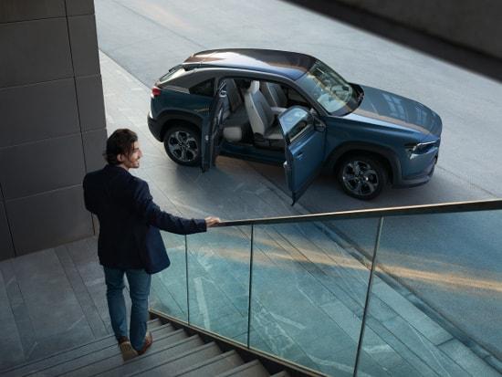 Der neue vollelektrische Mazda MX-30 bei Autohaus Sachs - Jetzt informieren & reservieren!
