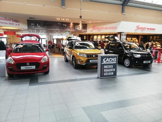 Autohaus Sachs im Hanse-Center Bentwisch mit dem Suzuki Swift, Vitara & Ignis