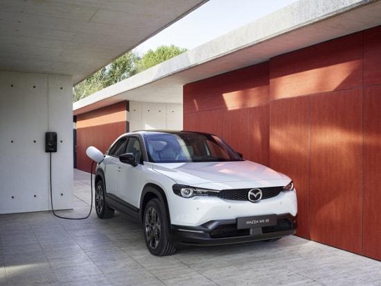 Der neue vollelektrische Mazda MX-30 bei Autohaus Sachs - Jetzt informieren & vorbestellen!